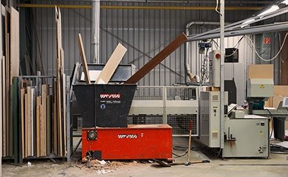 Vonder | Recycling, from wood-shredder to heating of the building